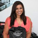 Jordin Sparks - Helps Teen Volunteers Fill 5, 000 Bags With School Supplies - August 7 2008
