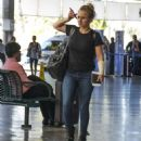 Hayden Panettiere in Jeans at Airport in Barbados - 454 x 508