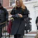 "Blake Lively - On ""Gossip Girl"" Set In New York City, 18.12.2008."