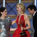 Sarah Paulson : 69th Annual Primetime Emmy Awards - 454 x 340