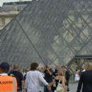 Richie Sambora & Denise Richards in Paris - 414 x 594