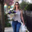 Elizabeth Hurley – Shopping in London - 454 x 719