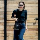 Rooney Mara – Leaves a salon in Los Angeles - 454 x 681