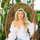 Iskra Lawrence – Photoshoot (January 2019) - 454 x 568