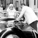 Arthur Miller & Marilyn Monroe spotted in New York, June, 12 1957 - 419 x 598