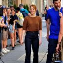 Emma Stone – Films 'Billy on the Street' set in New York City - 454 x 612