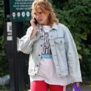 Billie Piper – Out in London - 454 x 837