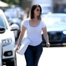 Lana Del Rey – Shopping on Melrose Place in West Hollywood - 454 x 683
