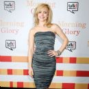 """Rachel McAdams lights up the red carpet at the premiere of """"Morning Glory"""" in New York"""
