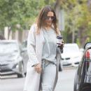 Jessica Alba – Picks up coffee in Beverly Hills