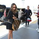 Alicia Vikander and Michael Fassbender – Catch a Flight Out of LAX 07/25/2017 - 454 x 571