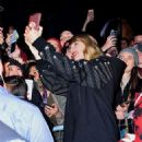 Taylor Swift – Heads to her album pop up shop at South Street Seaport in NYC - 454 x 561
