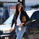 Jessica Gomes – Arriving at a friend's Memorial Day barbecue in LA - 454 x 537