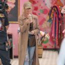 Khloe and Kourtney Kardashian – Filming KUWTK in Canoga Park - 454 x 680