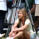 """Jennifer Aniston On The Set Of """"Marley And Me"""" In Miami 2008-04-01"""