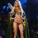 Caroline Trentini - Victoria's Secret 2005