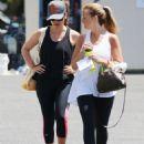 Sarah Michelle Gellar – Leaving a Gym in Santa Monica 7/10/2016 - 454 x 583