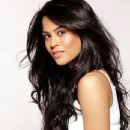 Actress Sana Saeed pictures - 347 x 499