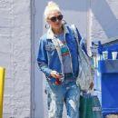 Gwen Stefani – Shopping in Los Angeles - 454 x 681