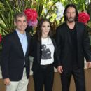 Winona Ryder and Keanu Reeves – 'Destination Wedding' Photocall in Beverly Hills - 454 x 409