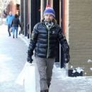 Matt Bellamy does some last minute Christmas shopping on Christmas Eve in Aspen, Colorado on December 24, 2014 - 454 x 563