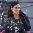 Idina Menzel performs at New Year's Eve 2015 at Times Square on December 31, 2014 in New York City - 406 x 594