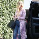 Khloe Kardashian is spotted at Casa Vega in Studio City, California on June 8, 2016 - 428 x 600