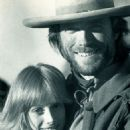 Clint Eastwood and Sondra Locke on the set of The Outlaw Josey Wales, October 1975 - 454 x 671