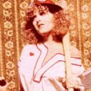 Bernadette Peters - 322 x 650