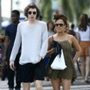 Caroline Flack goes for a stroll with friends in downtown Miami, Florida on January 2, 2016 - 403 x 600