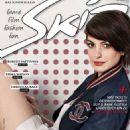 Anne Hathaway - 454 x 590
