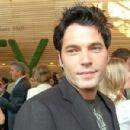 Tim Rozon - 400 x 300