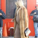 Khloe Kardashian in Long Coat – Arrives at a A Baby Shop in Los Angeles - 454 x 620