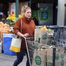 Hilary Duff – Shopping at Whole Foods in Studio City