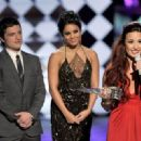 Demi Lovato - 2012 People's Choice Awards - Show - 454 x 330