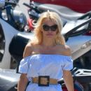 Pamela Anderson walk with her dog in St Tropez - 454 x 681