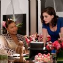 (L-r) QUEEN LATIFAH as Paula Thomas and ANNE HATHAWAY as Liz in New Line Cinema's romantic comedy 'Valentine's Photo by Ron Batzdorff