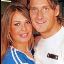 Francesco Totti and Ilary Blasi - 454 x 872