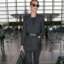 Rosie Huntington-Whiteley : LAX airport