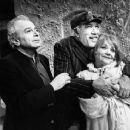 Zorba (Original 1983 Broadway Revivel) Anthony Quinn and Lila Kedrova. - 454 x 369