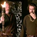 Fred Chiverton as The Leper's Caretaker and Angus Macfadyen as Robert the Bruce in Braveheart (1995) - 454 x 193