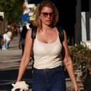 Susan Holmes – Shopping in Los Angeles - 454 x 589