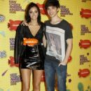 Oriana Sabatini and Julian Serrano- Kids' Choice Awards Argentina 2015 - 454 x 681