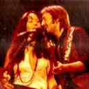 Eric Clapton and Yvonne Elliman - 454 x 309