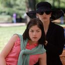 Sarah Michelle Gellar and Selma Blair in Columbia's Cruel Intentions - 1999