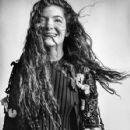 Lorde for Dazed magazine summer 2015 - 427 x 640