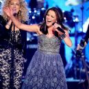 Martina McBride-April 4, 2011-ACM Presents Girls Night Out: Superstar Women Of Country - Show - 374 x 594