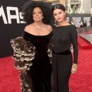 Selena and Diana Ross on the AMA red carpet