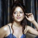 Actress Reema Sen latest photoshoots - 329 x 396