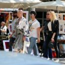 Sophie Turner and Joe Jonas – Out for some lunch in Barcelona - 454 x 426